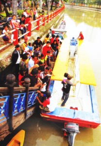Wisata Perahu Kalimas