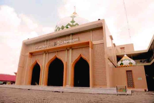 masjid-agung-darussaalam-bojonegoro