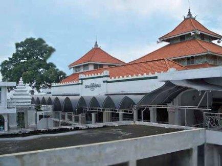 masjid-sunan-giri